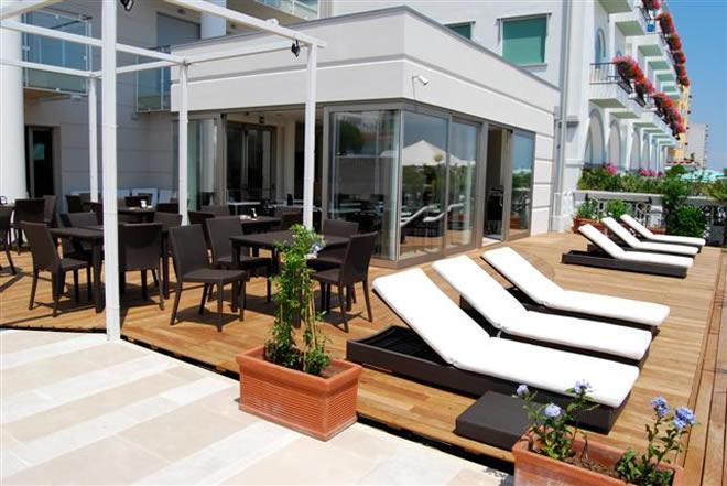 Bali boutique hotel a jesolo lido 4 stelle frontemare con for Boutique hotel jesolo
